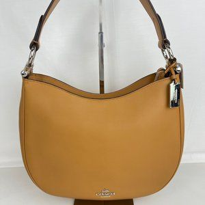 New Coach Nomad Crossbody in Glovetanned Leather